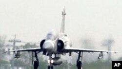 台灣空軍在高速公路上演習
