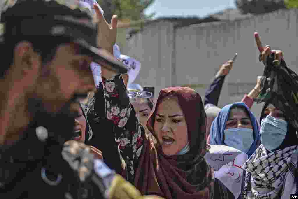 پاکستان کی خفیہ ایجنسی کے سربراہ لیفٹننٹ جنرل فیض حمید نے حال ہی میں کابل کا دورہ کیا تھا جس بعد افغانستان کے بعض حلقوں کی جانب سے تنقید کی گئی تھی۔