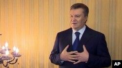 축출된 빅토르 야누코비치 우크라이나 대통령이 수도 키예프를 떠난 후 지난 22일 카르키프에서 발언하는 동영상 화면.
