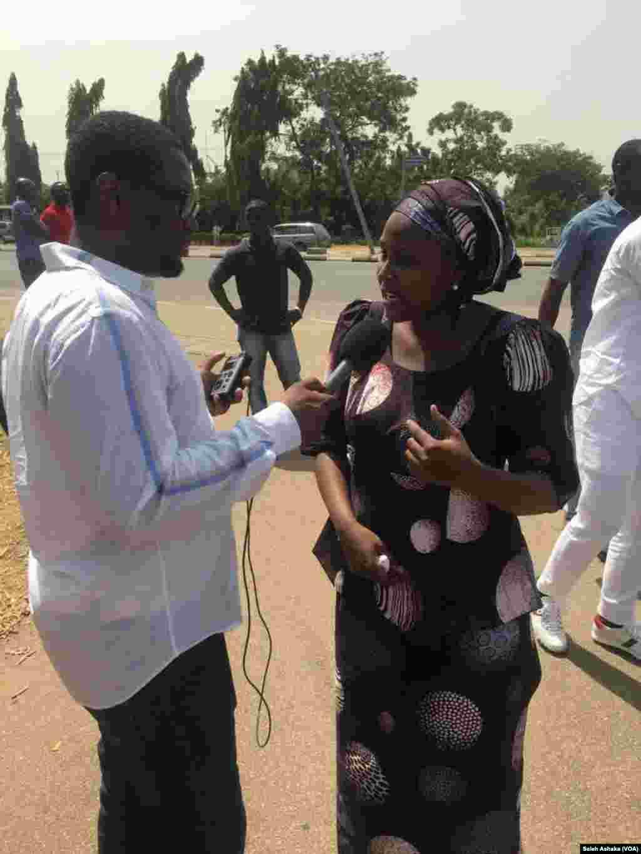 ABUJA: BBOG Kungiyar dake fafutikan ganin an sako sauran 'yan matan Chibok tayi maci a Abuja
