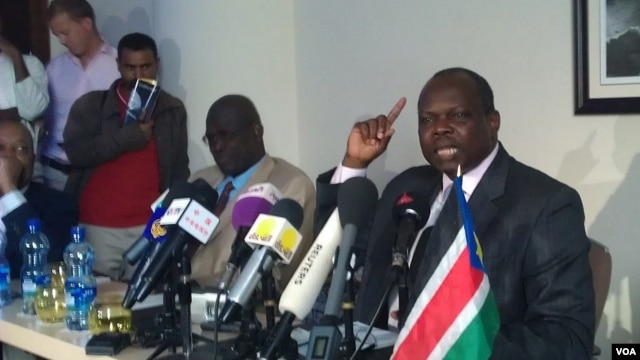 South Sudan's chief negotiator in talks with Sudan, Pagan Amum in Addis Ababa, Ethiopia, June 8, 2012 (VOA / Pete Heinlein)