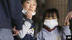 방사능 검사를 받는 일본 어린이들