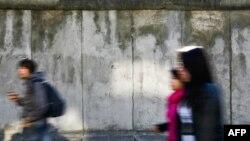 Восстановленный фрагмент Берлинской стены