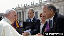 Rotarios de todo el mundo se reunieron en el Vaticano para una Audiencia de Jubileo, invitados por el papa Francisco.