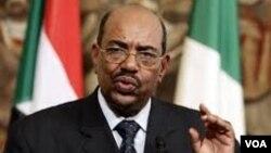 Presiden Omar al-Bashir berkeras untuk menghadiri Sidang Umum PBB di New York (foto: dok).