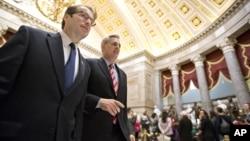 Para anggota DPR AS menyetujui bantuan 9,7 milyar dolar bagi para korban badai Sandy.