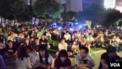 過百支持者參與ALLinHK選舉聯盟「香港民族備戰大會」(VOA 湯惠芸攝)