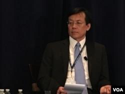 台湾政治大学国际关系研究中心研究员刘复国 (美国之音钟辰芳拍摄)
