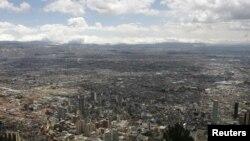 Bogotá es la ciudad más densamente poblada de Colombia. Al menos ocho millones de personas viven en la capital. El país tiene 48 millones de habitantes.