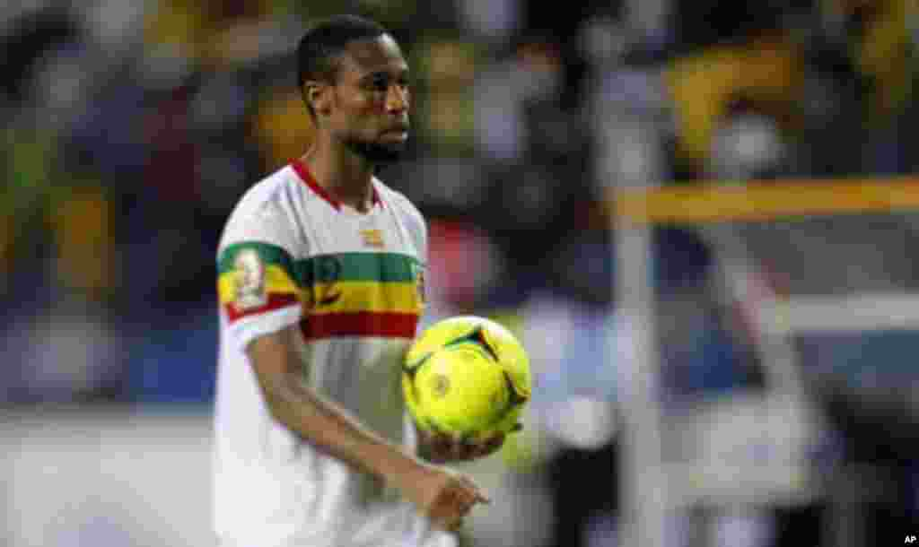 Mali's Seydou Keita prepares to take his kick in the penalty shootout during their African Cup of Nations quarter-final soccer match against Gabon at the Stade De L'Amitie Stadium in Gabon's capital Libreville, February 5, 2012.