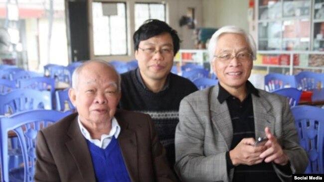 Từ trái sang, Nhà văn Nguyên Ngọc, Tiến sĩ Nguyễn Xuân Diện, giáo sư Chu Hảo. Photo Facebook Nguyen Xuan Dien