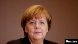 """ນາຍົກລັດຖະມົນຕີ ເຢຍຣະມັນ ທ່ານນາງ Angela Merkel ໃນນະຄອນ Berlin. ວາລະສານ Time ໄດ້ມອບໃຫ້ ທ່ານນາງ ເປັນ """"ບຸກຄົນດີເດັ່ນປະຈຳປີ ຫຼື Person of the Year"""" ຂອງວາລະສານ ສຳລັບປີ 2015."""
