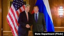 美国国务卿克里和俄罗斯外长拉夫罗 (资料照片)