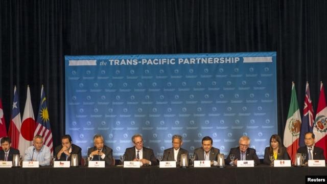 Bộ trưởng 12 nước đối tác xuyên Thái Bình Dương (TPP) tổ chức một cuộc họp báo để thảo luận về tiến bộ trong các cuộc đàm phán ở Lahaina, Maui, Hawaii, ngày 31/7/2015.