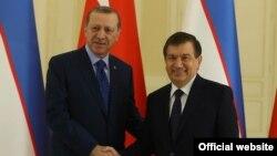 Turkiyadagi o'zbekistonliklar Shavkat Mirziyoyevning tashrifi haqida