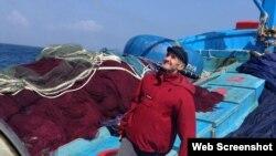 Ông Rimas Meleshyus trên tàu cá của ngư dân Quảng Ngãi (Facebook Rimas Meleshyus)