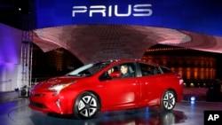 Toyota Prius dalam sebuah pameran mobil di Las Vegas, 8 September 2015 (Foto: dok).