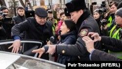 Unjuk rasa anti-pemerintah yang digelar dua kelompok oposisi di Almaty, Kazakhstan, Sabtu, 22 Februari 2020. (Foto: RFE)