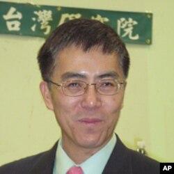 里奇满大学政治系主任王维正