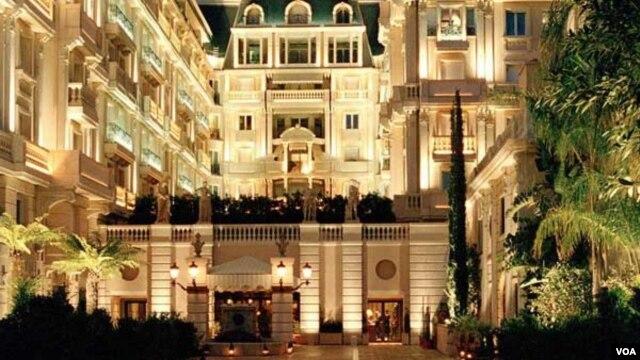 O hotel de Monaco onde Bento Kangamba quase que foi preso