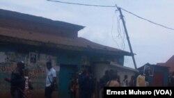 La police patrouille à Bukavu dans l'Est de la RDC, le 25 février 2018. (VOA/Ernest Muhero)