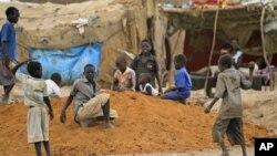 Governador de Luanda: Graves problemas continuam a afectar crianças
