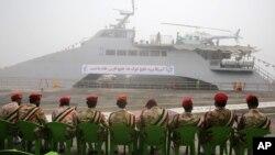 Революційні гвардійці під час церемонії в портовому місті Бушер