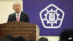 지난 2일 한국 정부의 대북정책을 설명하는 류우익 통일부장관