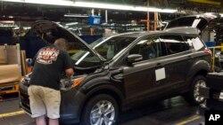 """En octubre, Bill Ford dijo haberse reunido con Trump para hablar sobre los ataques a las inversiones de Ford en México. Ford dijo que las críticas eran """"frustrantes"""", en especial porque que la empresa ofrece gran cantidad de empleos en EE.UU."""