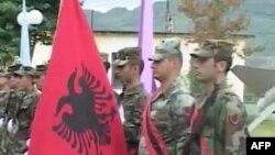 Shqipëria nis drejt Bosnjes një kontigjent ushtarak për pastrimin e minave