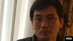 《南方周末》前新闻部主任及专栏作者长平 (曹雅学拍摄)