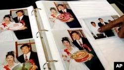 Từ vùng châu thổ sông Mekong ở miền nam tới những thị trấn ở phía bắc, số lượng các cô gái trẻ Việt Nam kết hôn với đàn ông nước ngoài, phần lớn đến từ Đài Loan và Hàn Quốc, ngày càng nhiều.