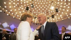 Thủ tướng Hy Lạp George Papandreou và Thủ tướng Ðức Angela Merkel