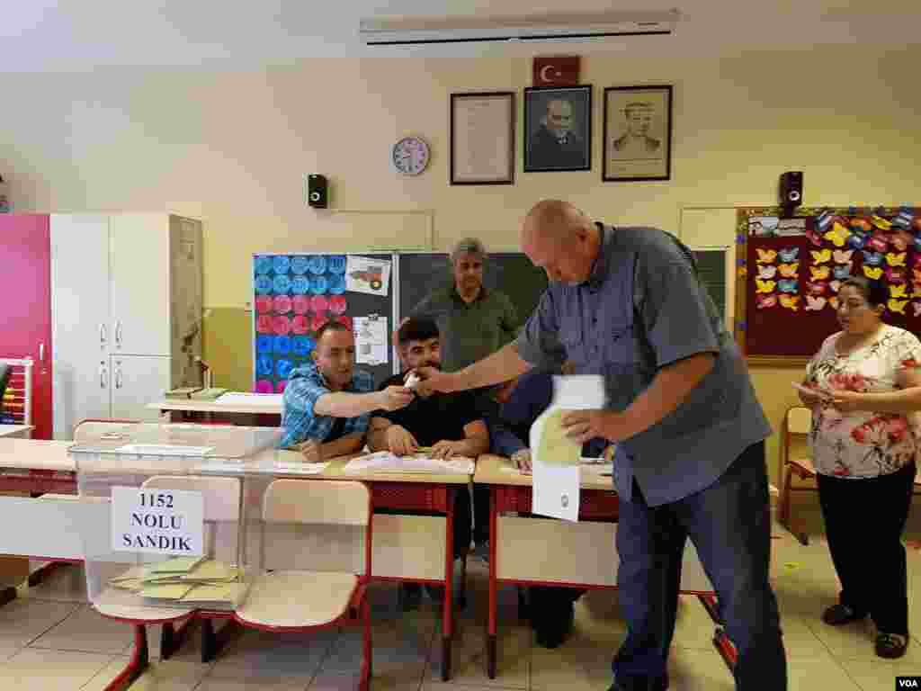 Türkiye tarihinde ilk kez siyasi partiler seçim ittifakı yapabiliyor.