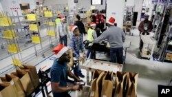 Amazon, con sede en Seattle, no dio a conocer la cifra de envíos navideños.