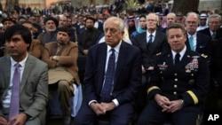 نماینده ویژه آمریکا برای صلح افغانستان روز سه شنبه در مراسم سوگند اشرف غنی شرکت کرد.