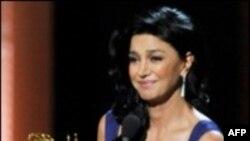 شهره آغداشلو بازیگر ایرانی، برنده جایزه معتبر امی شد
