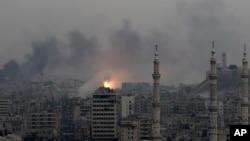 Suasana kota Aleppo pasca serangan udara pasukan pemerintah Suriah, 5 Desember 2016 (Foto: (AP Photo/Hassan Ammar)