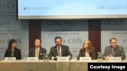 29일 미국 워싱턴의 민간단체인 전략국제문제연구소에서 '2015 아시아태평양 지역 전망'을 주제로 토론회가 열렸다.
