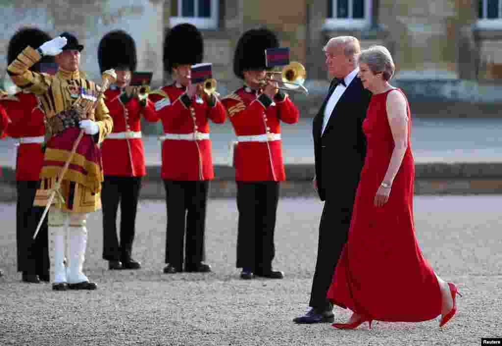 گفتگوی پرزیدنت ترامپ با ترزا می نخست وزیر بریتانیا در کاخ بلنهایم