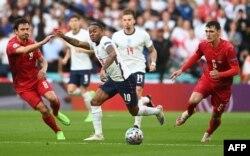 انگلش ٹیم پہلی مرتبہ یورو چیمپئن شپ کے فائنل میں پہنچی ہے۔