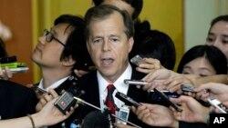 Glyn Davies, Utusan Khusus AS untuk Korea Utara tiba di Beijing, China untuk meningkatkan upaya guna memulai kembali pembicaraan nuklir Korea Utara (foto: dok).