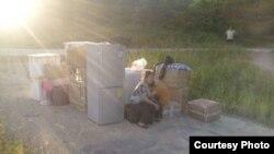 叶海燕母女在广东被迫搬迁无处栖身。(图片来源: 叶海燕微博)
