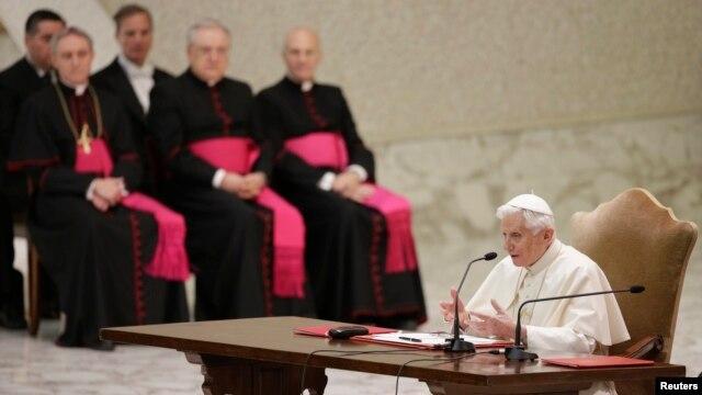 Ðức Giáo Hoàng đang xem xét khả năng sửa đổi một số luật trước khi thoái vị vào ngày 28 tháng 2.