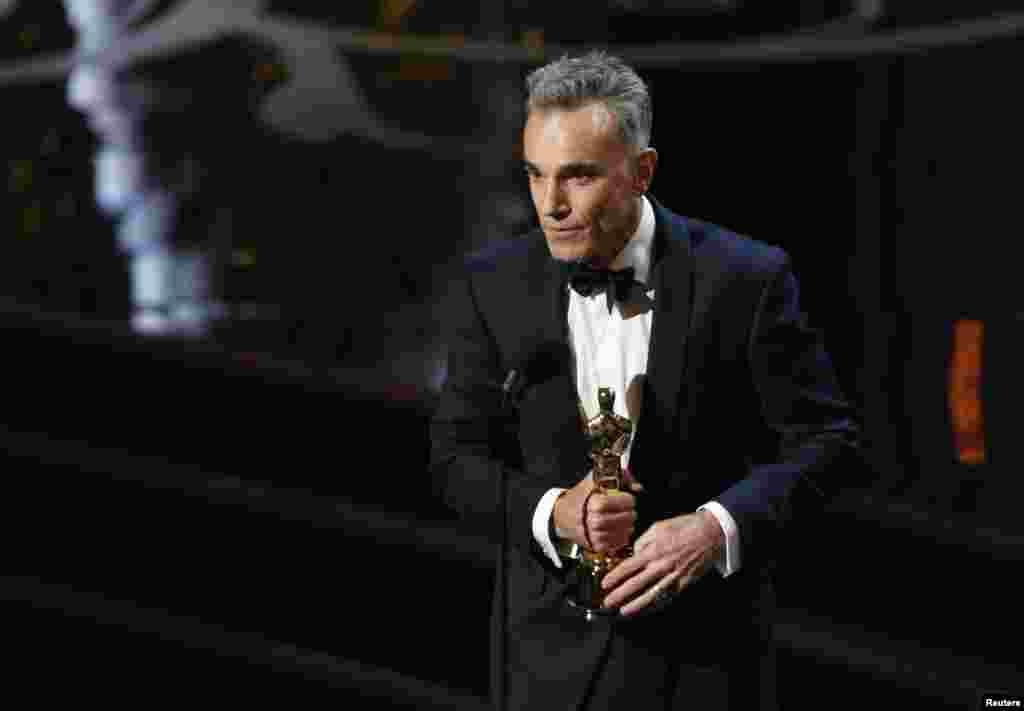 """Daniel Day Lewis recebeu o Oscar para """"Melhor Actor"""" pelo seu papel como presidente Lincoln no filme """"Lincoln""""."""