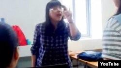 Cô giáo Phạm Nguyễn Lê Na mắng học sinh là 'vô học' (ảnh chụp từ clip youTube).