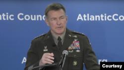 美國陸軍參謀長麥康維爾上將(General James McConville)2020年1月14日在大西洋理事會講話(大西洋理事會畫面)