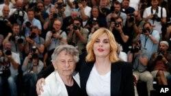 رومن پولانسکی و همسرش در هفتادمین جشنواره فیلم کن