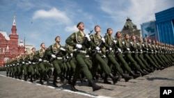 莫斯科紅場5月9日閱兵式的俄羅斯士兵隊列 (AP)