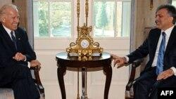 Biden Cumhurbaşkanı Gül ile